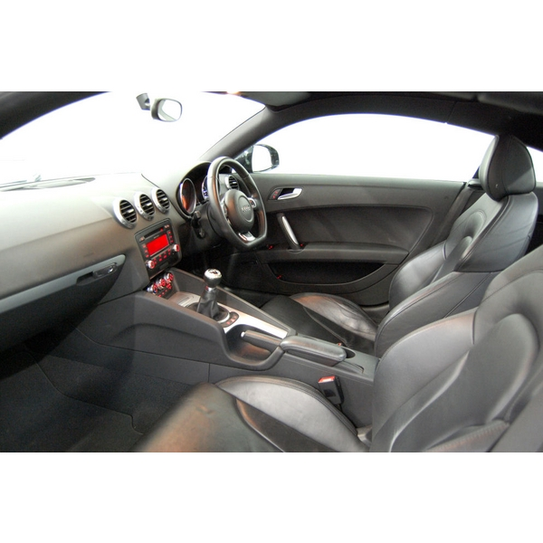 Audi TT 2.0T FSI + BLUETOOTH + FULL BLACK LEATHER + CRUISE